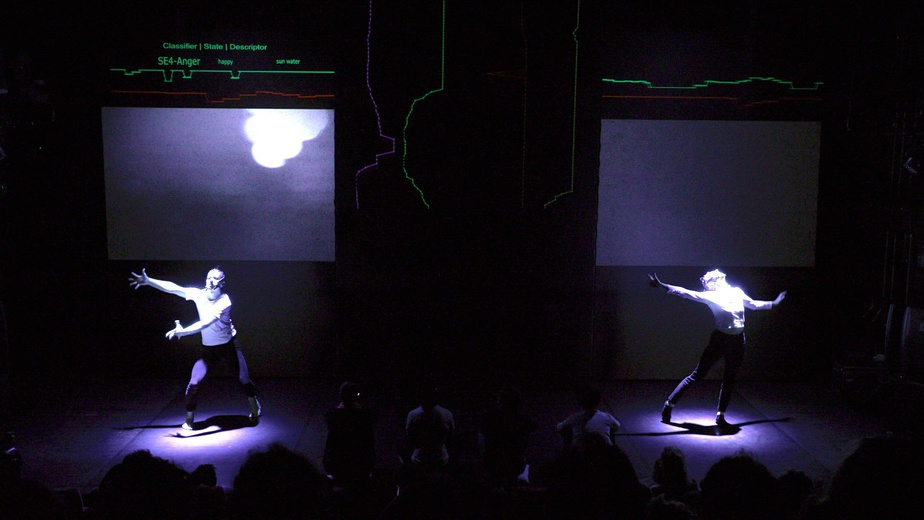 DEMULTIPLEXIA performance in Brussels, image by Erik Norkroos